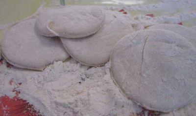 Teig für Chinkali, ausgeschnittene Teile
