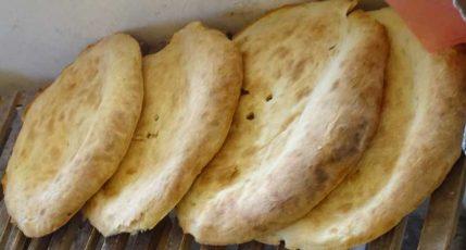 Teigware aus Georgien - Brot aus Tone, Tonis Puri