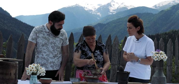 Videoprojekt über regionale Küche Georgiens, Kochen fürs Videoprojekt