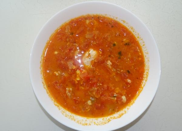 Tomatensuppe mit Ei